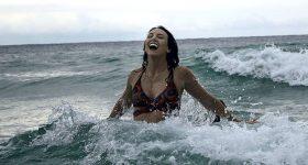 Jeste li već primijetili? Kupanje u moru iscjeljuje i pročišćava, posebno vašu auru!