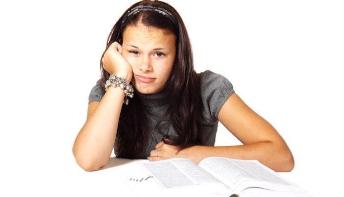 Kako škola vašu djecu čini tupom i depresivnom: Pročitajte ovo – Surovo je, ali istinito!