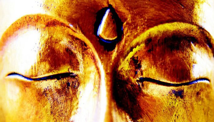 Moć poljupca u treće oko – OVO je efekt!