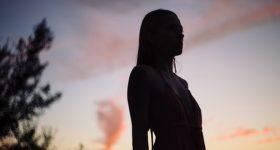 NAJTEŽE JE ŽIVJETI SA ISKRENOM ŽENOM: Zašto je veza sa ženom čistog i otvorenog srca najveći izazov