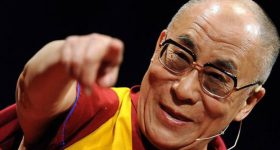 Pitali Dalai Lamu što ga najviše iznenađuje – Njegov odgovor je sve zapanjio!