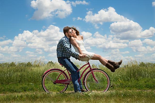 Staromodna žena otvara srce: zašto želim staromodnu ljubav a ne igrice
