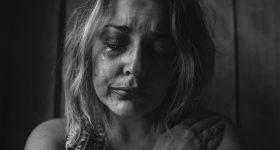 FIZIČKI BOL JE DIREKTNO POVEZAN SA EMOCIJAMA: Rame te tišti zbog teškog emocionalnog tereta, nelagodnost u vratu izaziva nemogućnost opraštanja, noge stradaju zbog negativnosti