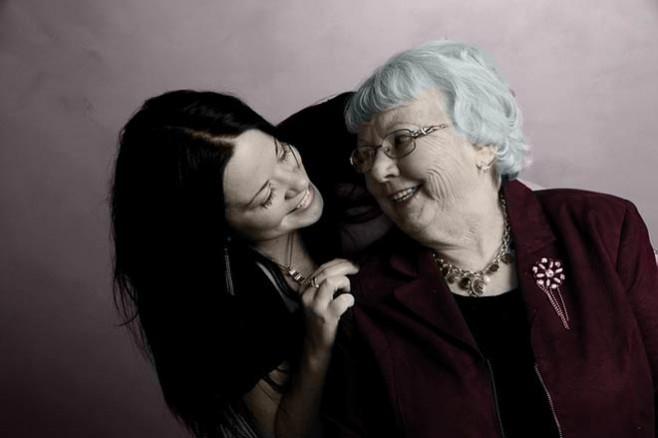 Unuka se požalila baki da ju je muž prevario: Njena mudrost joj je promjenila pogled na život