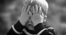 Poznati psihoterapeut tvrdi: Razmaženo dijete i prezaštićeno dijete su patologije novog pristupa odgoju!