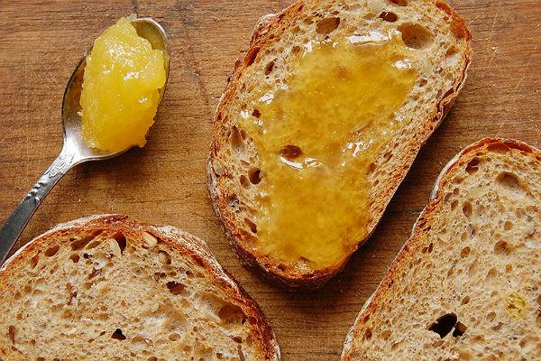 Namažite med i cimet na hljeb i jedite svaki dan: Evo zašto!