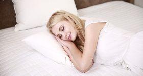 Muškarci, pustite svoje žene da spavaju duže! Žene trebaju više sna nego muškarci, evo zašto...