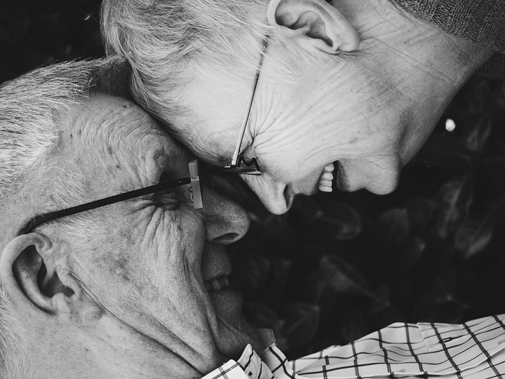 LJUBAV NE ZNA ZA GRANICE: Baka (92) pobjegla sa dečkom (87) iz staračkog doma!