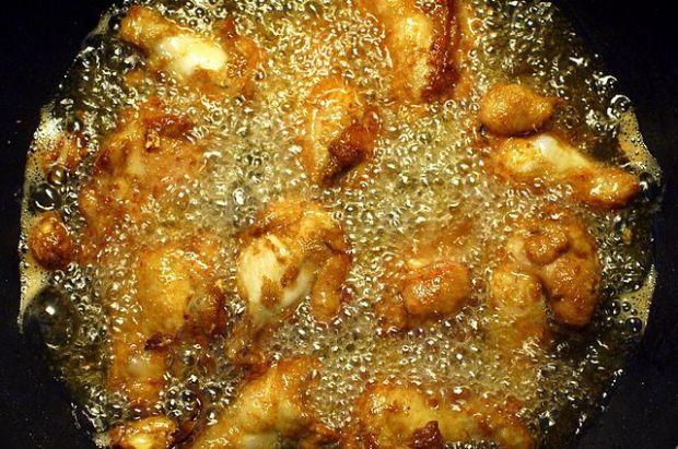DA LI ZNATE: Gdje treba baciti kuhinjsko ulje nakon upotrebe?
