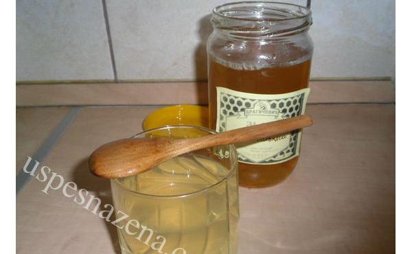 Kako pripremiti ljekovitu medenu vodu. Ovo morati znati obavezno!