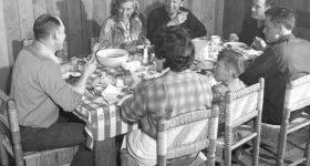 David Albahari: Vratimo nedjelju, dan kada su u podne složno zveckale kašike za supu