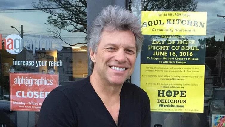 Bon Jovi ima dva restorana u kojima siromašni mogu jesti besplatno