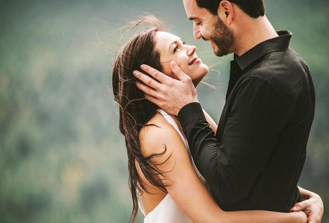 Voljeti ženu ne znači samo voditi ljubav s njom, ljubiti je i reći joj da je voliš