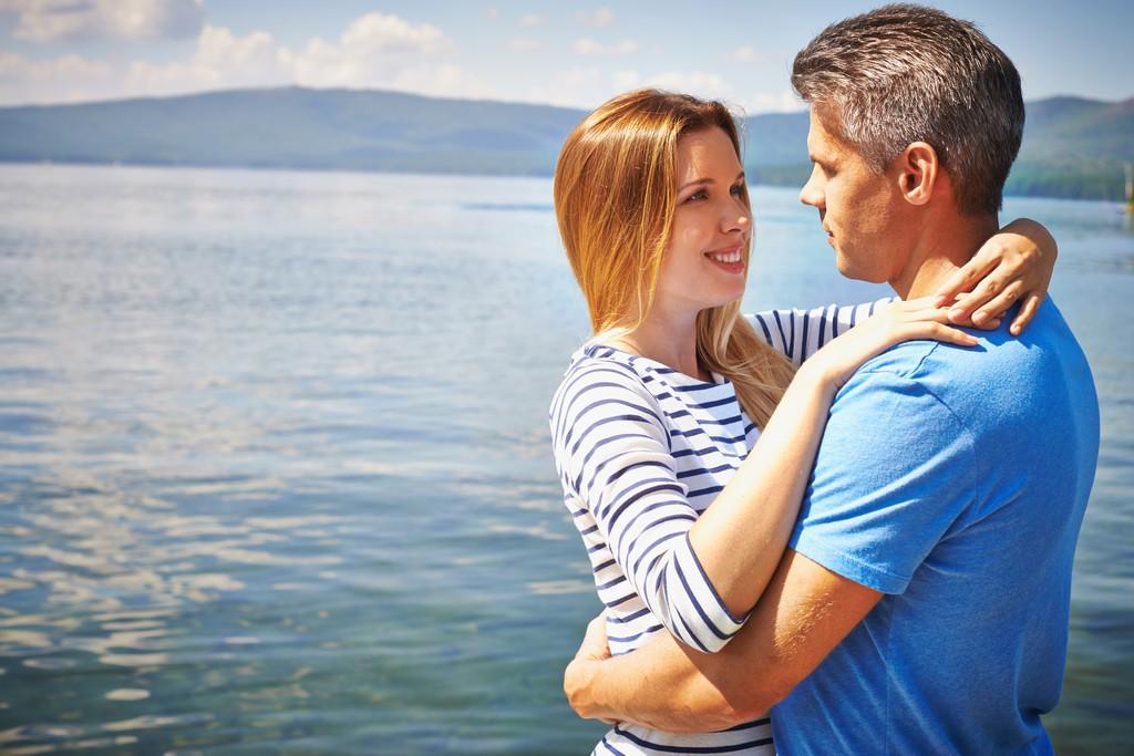 Zašto žene vole starije muškarce: Otkrivamo vam 6 razloga!
